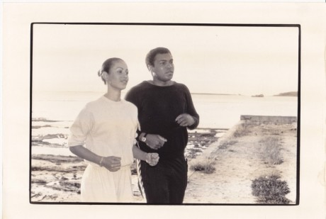 ALI AND VERONICA OUT JOGGING WIRE PHOTO