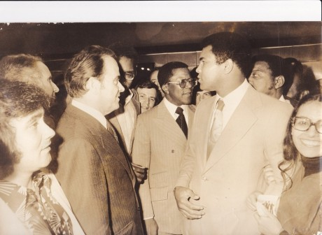 CASSIUS CLAY IN FRANCE  SIPA PHOTO