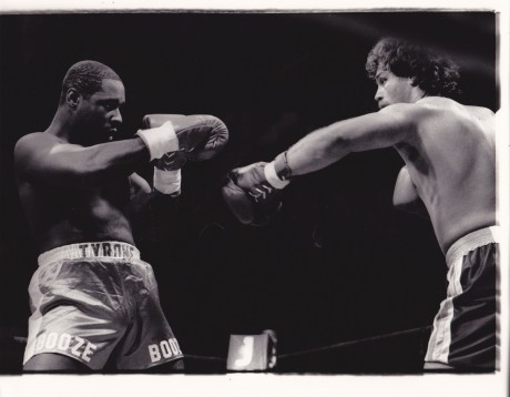 JOHNNY-DU-PLOOY-VS-MIKE-ROUSE-300×233