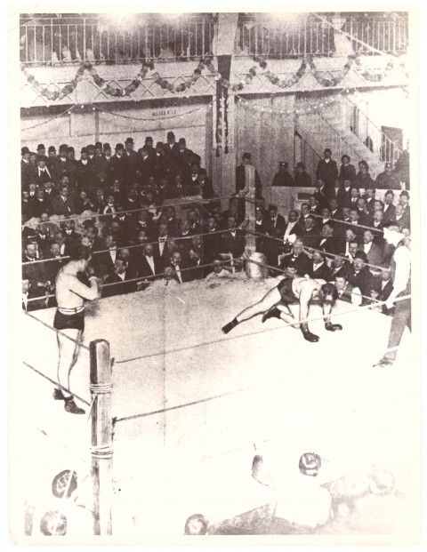 Tommy Burns (L) KO Jewey Smith 1908 - African Ring