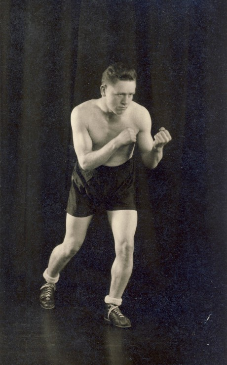 Ginger Jones boxed 1927-1933 fought Laurie Stevens