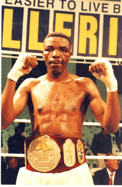 Melusi Khoza SA Light Heavyweight Champion 1999 - African Ring