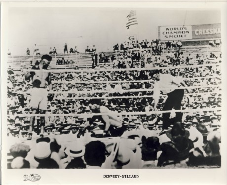 Jack Dempsey vs Jess Willard Ring photo