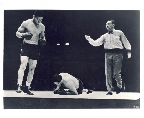 Joy Louis demolishes Max Schmeling in first round