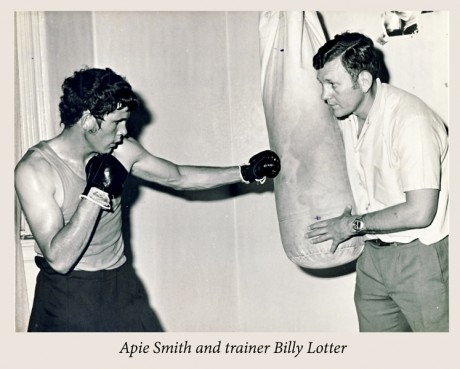 Apie-Smith-anfd-trainer-Billy-Lotter-300×241