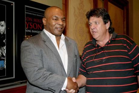 Jeff Ellis (r) Mike Tyson
