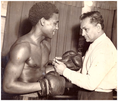 Leslie Mckenzie and trainer Benny Singh - African Ring